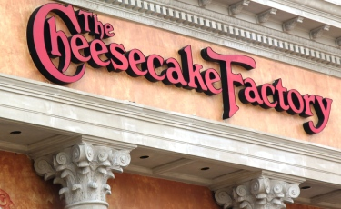 cheesecake_factory_counter